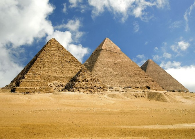 mind altering facts about the great pyramid at giza that still have