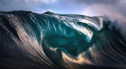 World's Best Water Photographer Captures The Most Stunning Pictures Of Ocean Waves You've Ever Seen