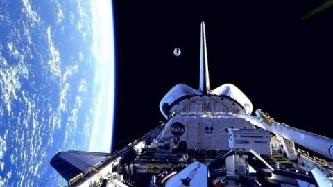 NASA Captures Bewildering Footage Of UFO Entering & Leaving Earth's Atmosphere