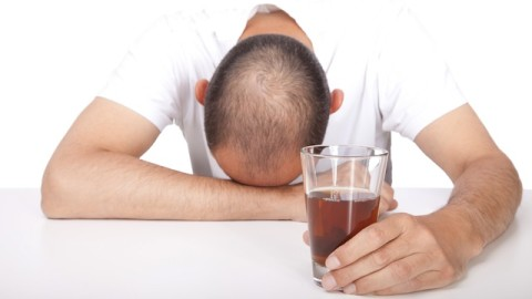 6 Tips To Avoid Alcohol-Induced Hangovers