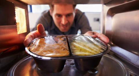 Science Sheds Light On Why Heating Your Food With Microwave Radiation Might Be A Bad Idea
