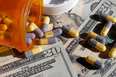 "Are You A Truth Seeker? Read ""Incurable Me"" To See How Big Pharma Is Controlling Our Health"