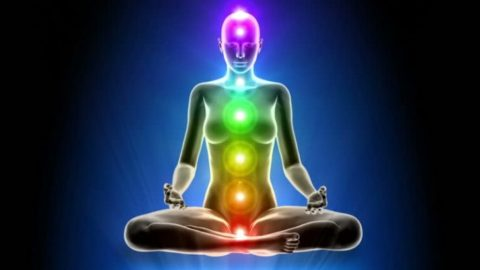 How Your 'Aura' Affects Your Health & Others Around You, Backed By Science