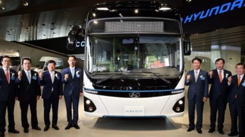 Hyundai's New Emissions-Free Bus Travels 180 Miles On Just One Hour Of Charging