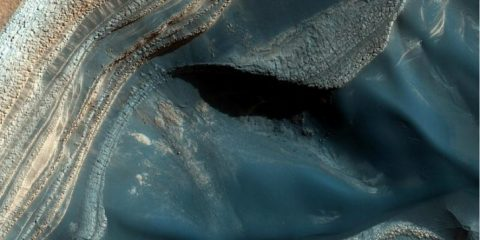 Scientists Just Found 'Limitless' Clean Water Reserves All Over Mars